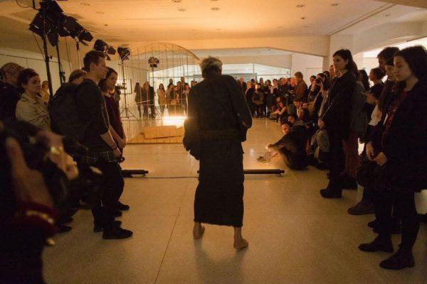 2017年3月 ナショナルギャラリープラハ(プラハ国立美術館)展覧会『Keiichi Tahara: Photosynthesis 1978–1980 featuring Min Tanaka』オープニングパフォーマンス ©National Gallery in Prague